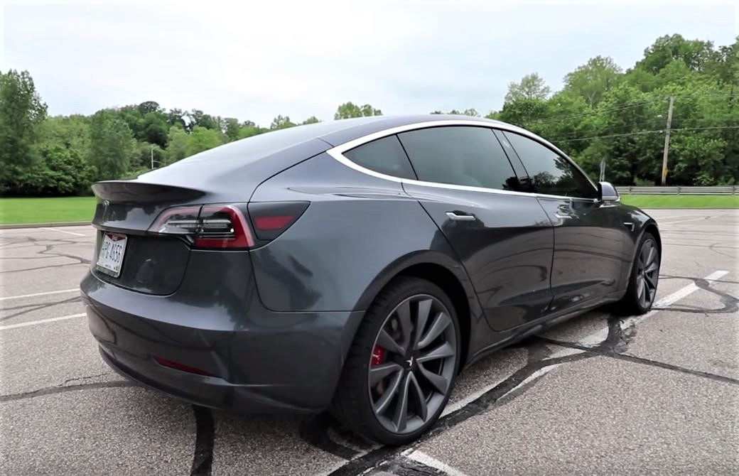 Can the Tesla Model 3 justify the word 'Performance' ?