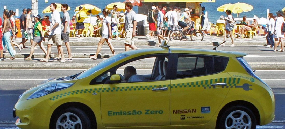Nissan LEAF Taxi driver in Spain made 350,000 km