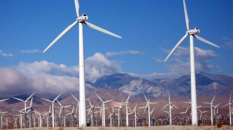 Bloomberg: The difficult transition to green energy