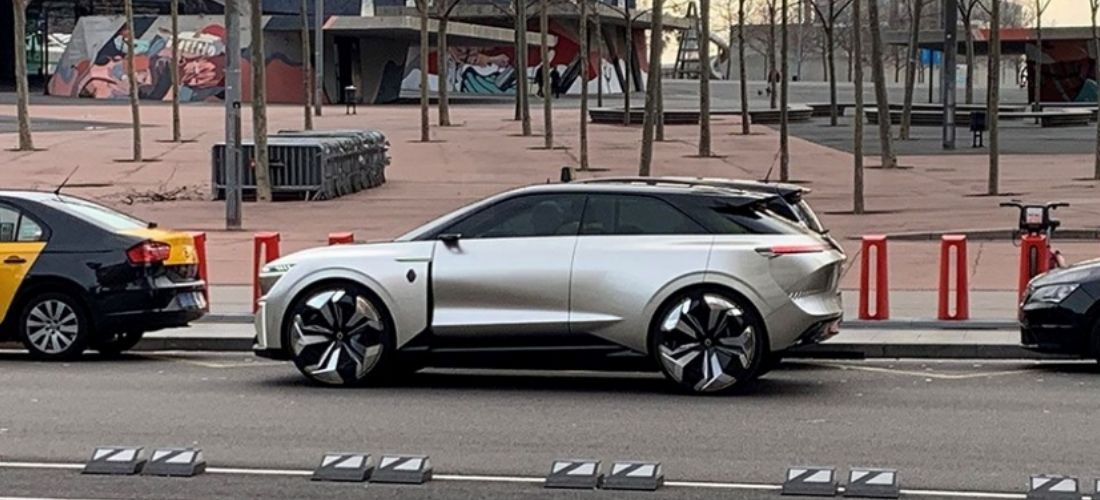 Νew Renault concept detected in Barcelona