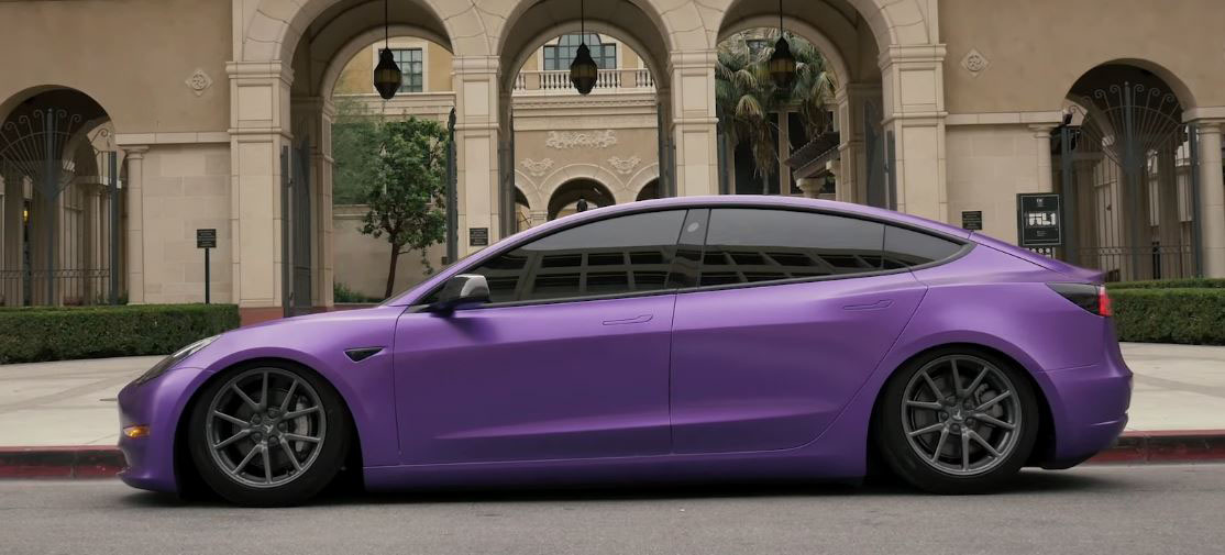 Watch Tesla Model 3 to wear an impressive metallic purple color