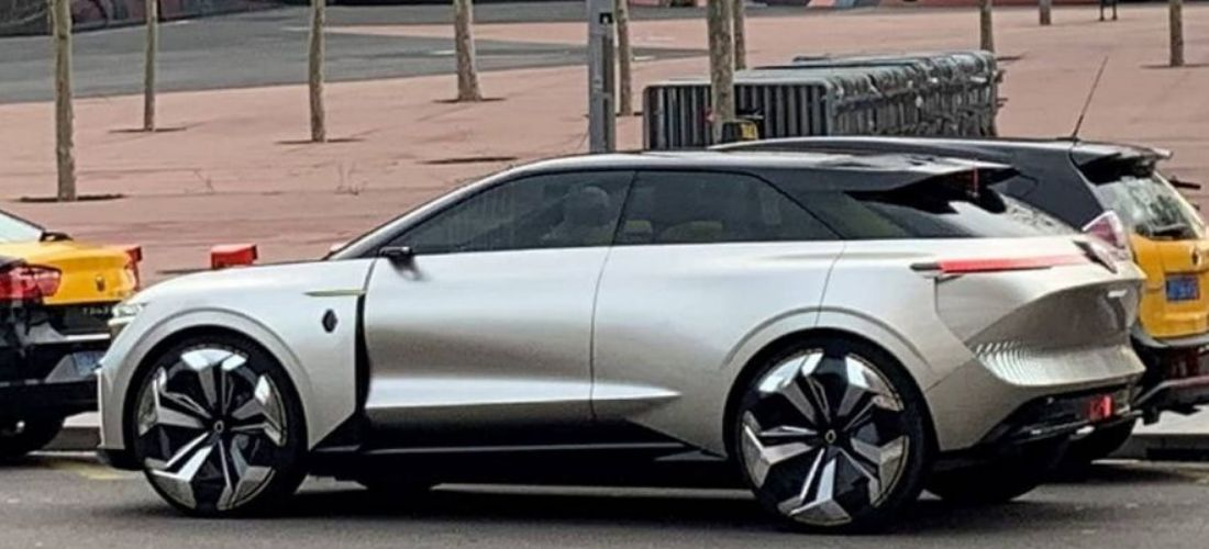 Electric SUV Renault