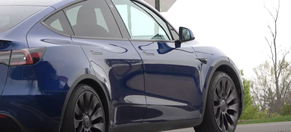 This brand-new Tesla Model Y have many issues