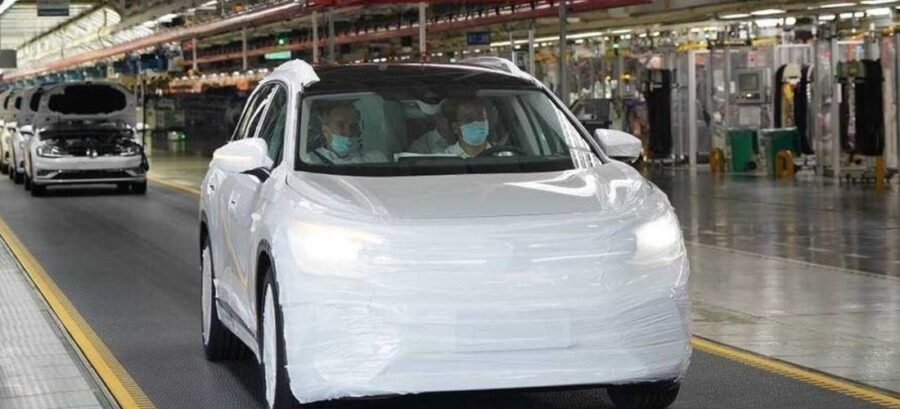 VW ID. Roomzz production model revealed in China