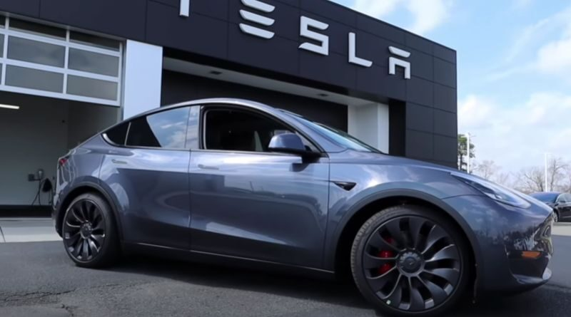 watch-tesla-model-y-after-one-year-experience-review