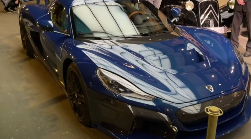 rimac-c_two-caught-on-camera-in-the-center-of-zagreb