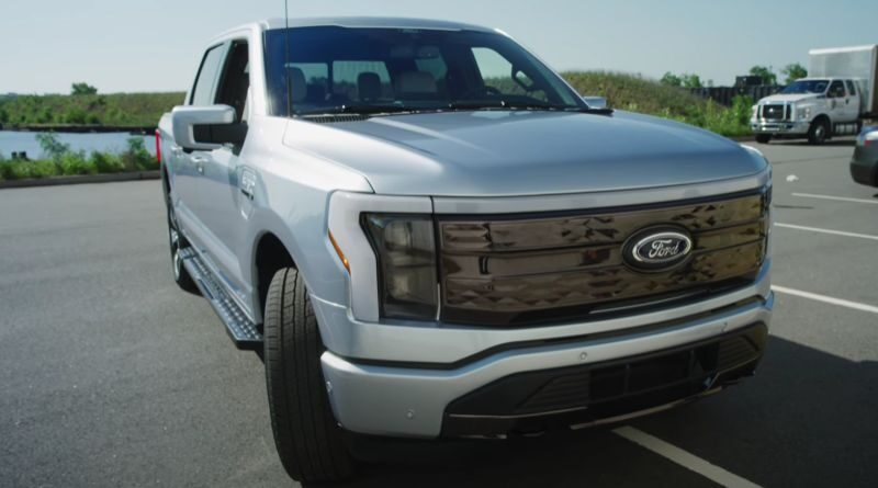 2022 Ford F150 Lightning first impressions | Video