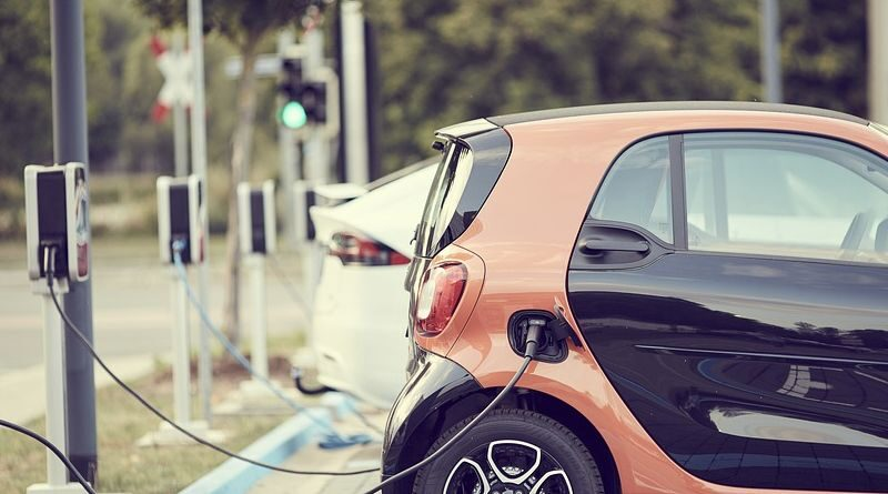 new-car-registrations-in-greece-is-25-plug-in-electric