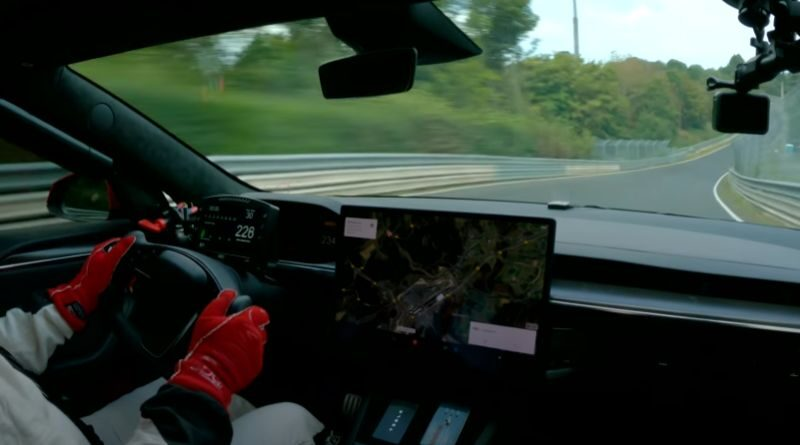tesla-model-s-plaid-the-fastest-electric-on-nurburgring